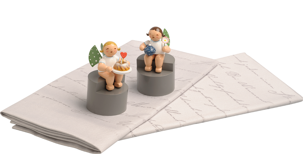 Set of 2 Cloth Napkins and 2 different Angels on Pedestals, with 650/152 and 650/154